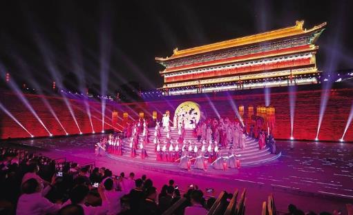 陕西省举行入城式欢迎出席第五届丝博会的中外嘉宾